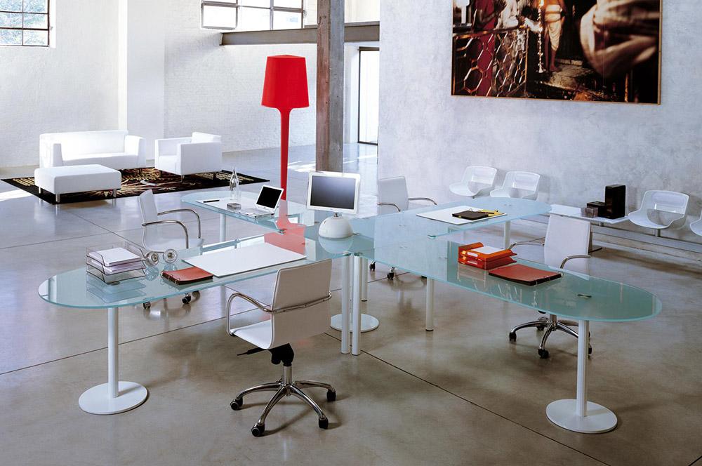 Valeo scrivania enrico pellizzoni fauciglietti engineering for Moderni piani casa icf